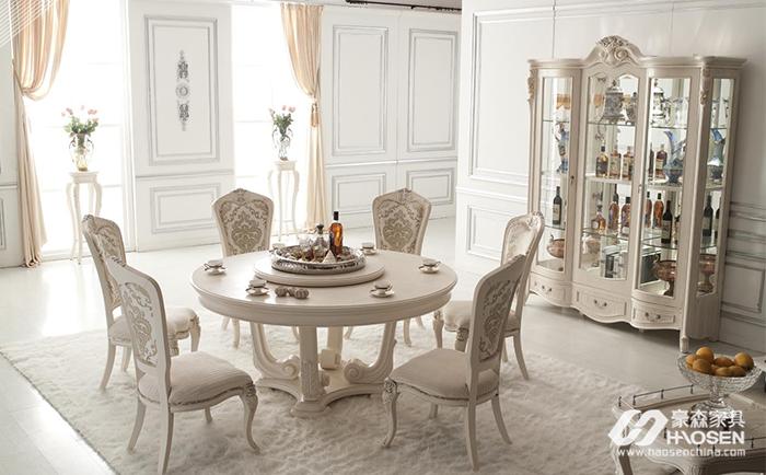 欧式古典风格餐桌有哪些特点?欧式餐桌的特点介绍