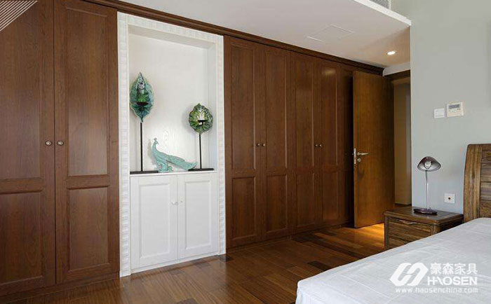 关于大户型卧室橱衣柜的选购技巧