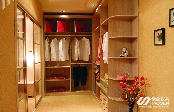 想要提高家居品味,少不了实木衣柜!