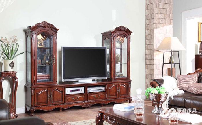 电视柜的摆放有哪些讲究?美式客厅电视柜的摆放学问