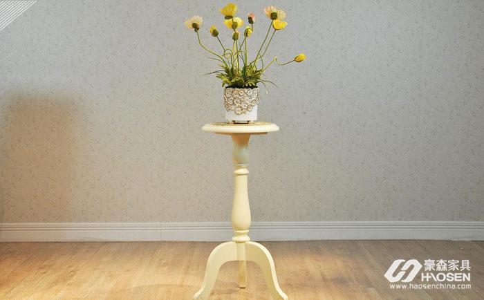花架在客厅要如何摆放?美式客厅花架的摆放技巧