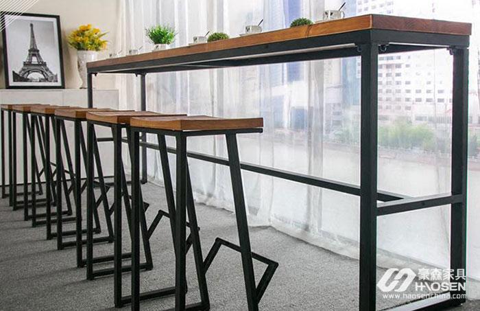 美式客厅实木桌要如何选择?实木桌的选购技巧