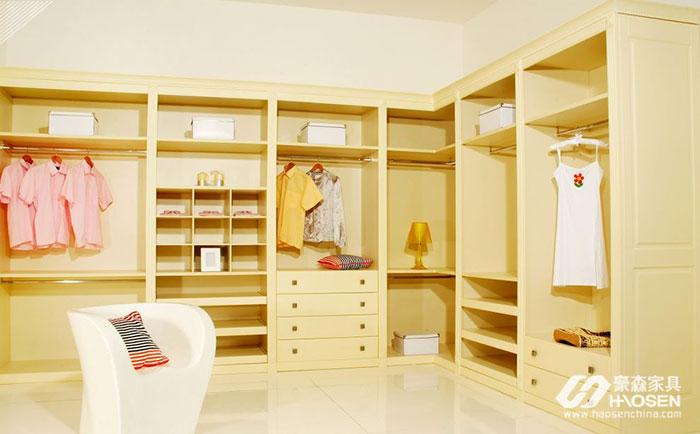 90平米户型的卧室衣帽间怎么设计