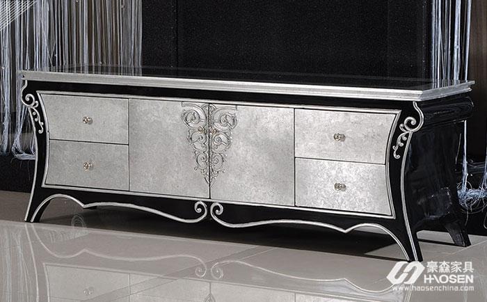 您知道欧式家具古典风格电视柜的特点有哪些吗?