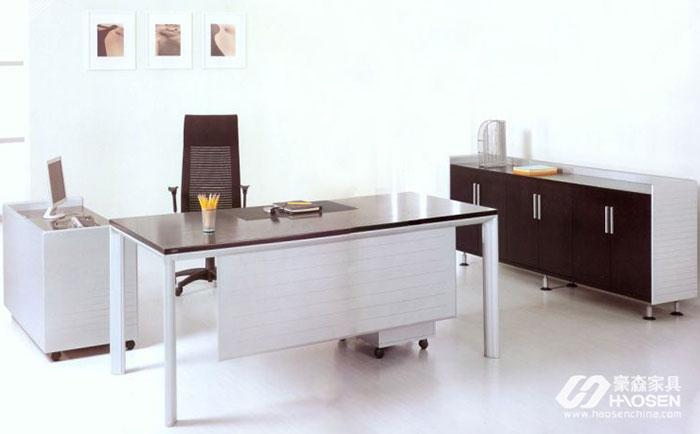 加强老年家具和办公室家具特殊市场的需求