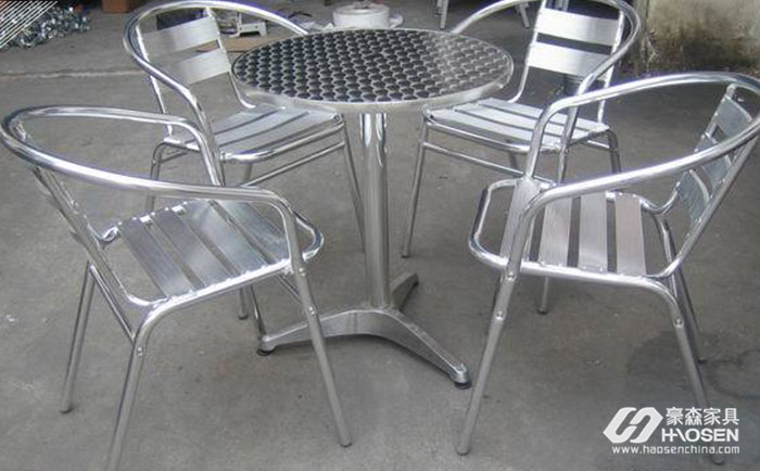 铝家具订单增多