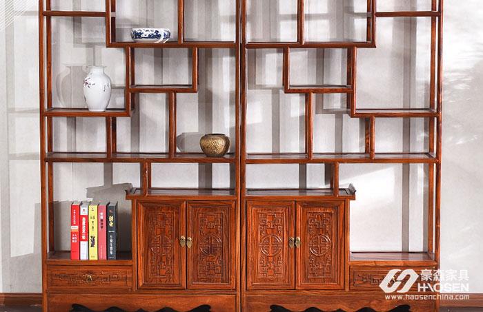 教你如何对欧美卧室中的板材博古架正确的保养方法