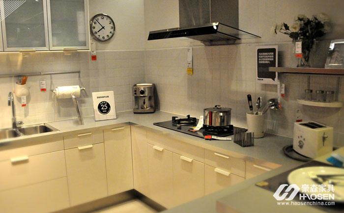 生活中如何挑选小厨房橱柜?小厨房橱柜搭配有哪些技巧?