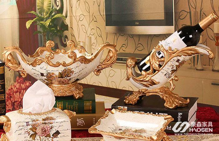 欧式风格家具搭配艺术饰品的选择