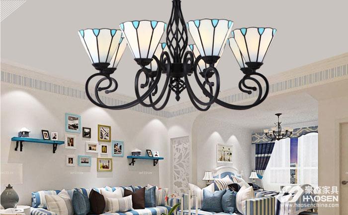 美式家具与清新风格灯的搭配图