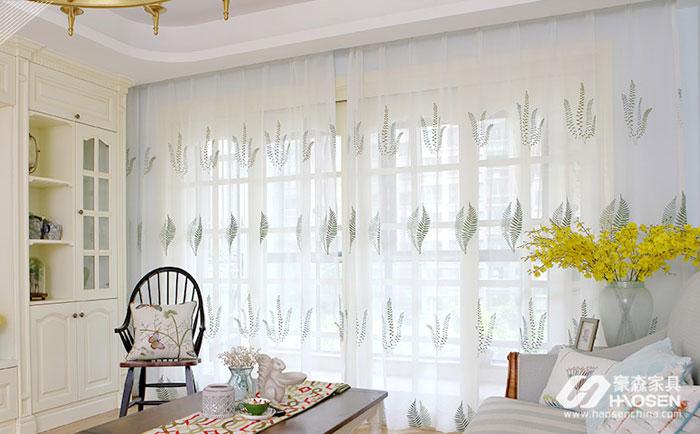 同一空间搭配同一配色的窗帘